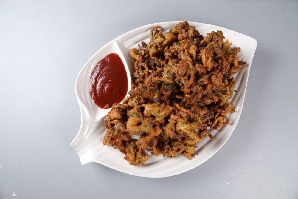 Mumbai Dhaba Pakoras Recipe